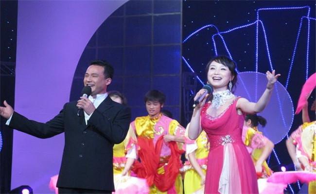 中国湖南第二届雨花商文化节闭幕式歌舞类节目表演