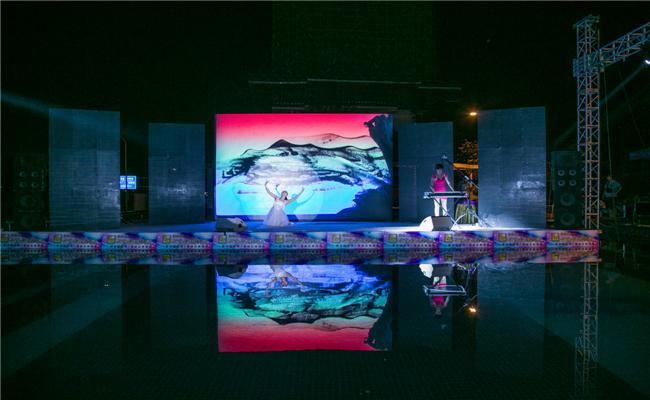 佳兆业云顶梅溪湖客户答谢晚会暨新品发布会沙画与舞蹈的节目表演