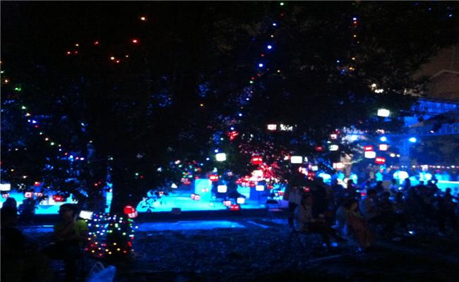 万科2013长沙橘洲(国际)音乐节活动唯美灯光布置