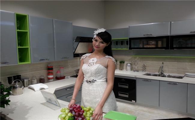 嘉宝橱柜五星级定制旗舰店开业典礼模特展台演示