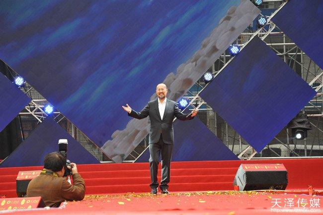 国家一级演唱家、民歌实力唱将腾格尔现场演唱